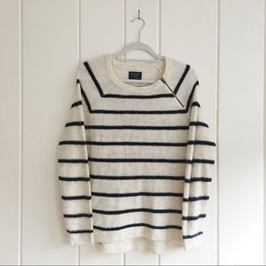 Abercrombie & Fitch wool cream and navy sweater